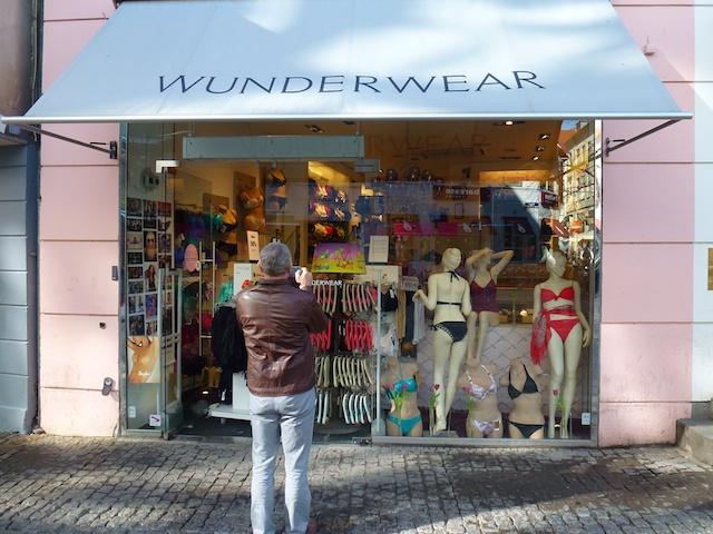 2527: Wunderwear