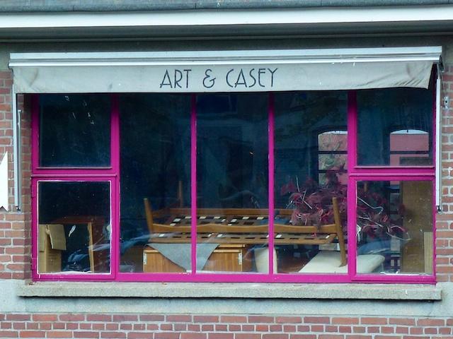2583: Art En Casey