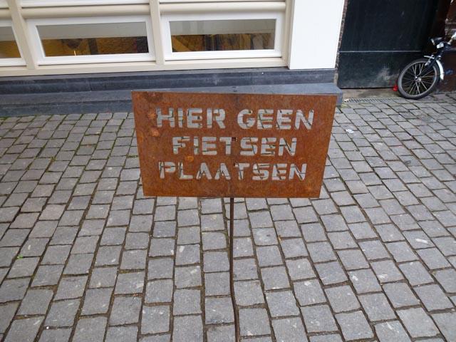 1680: Hier Geen Fietsen