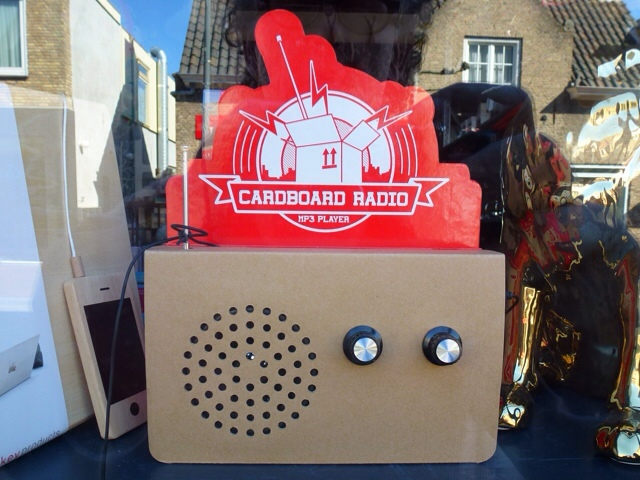 2079: Radio Van Karton