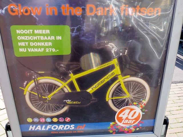 2418: Glow Fiets