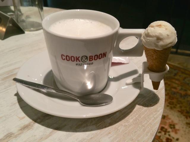 2716: Koffie Met Ijs