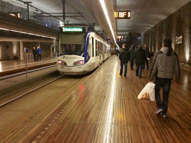 2789: Tram Over Parket
