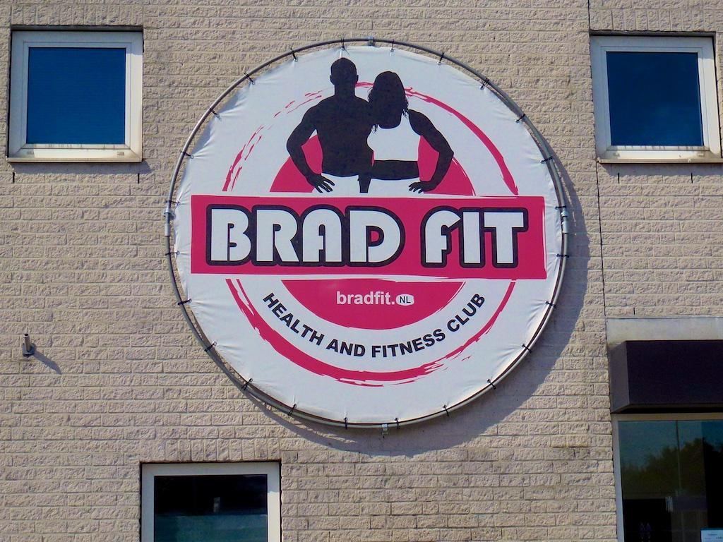 2934: Brad Fit