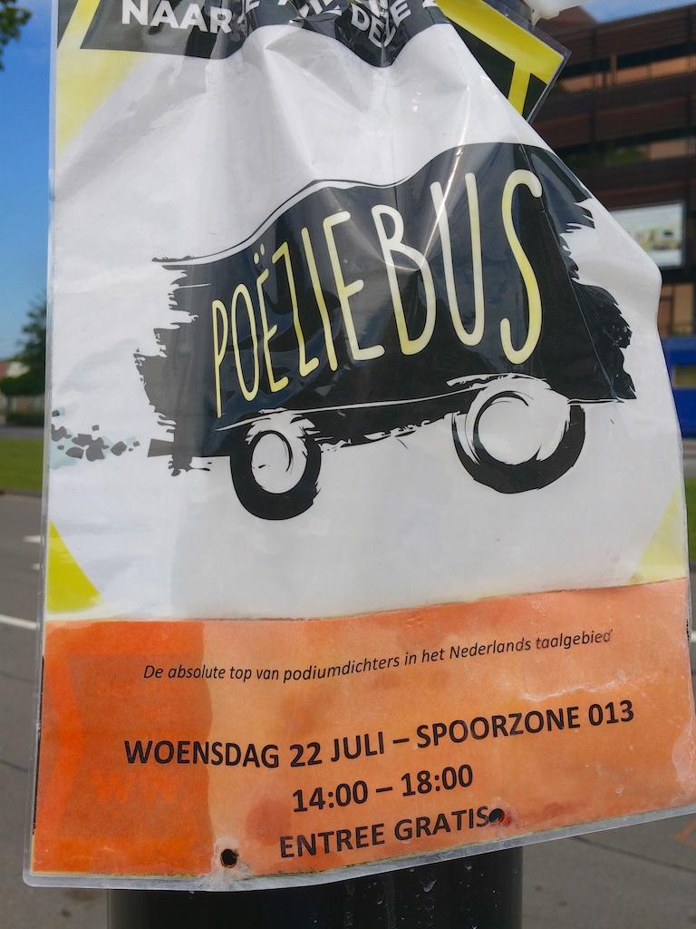 2939: Poeziebus