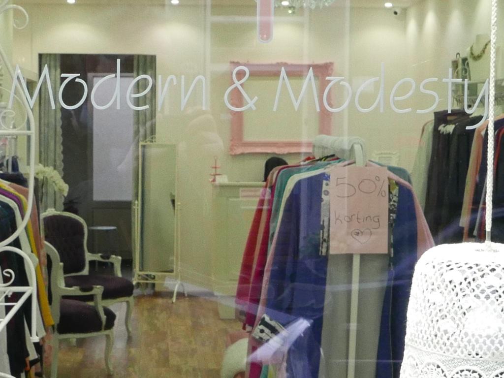 3009: Modern & Modesty