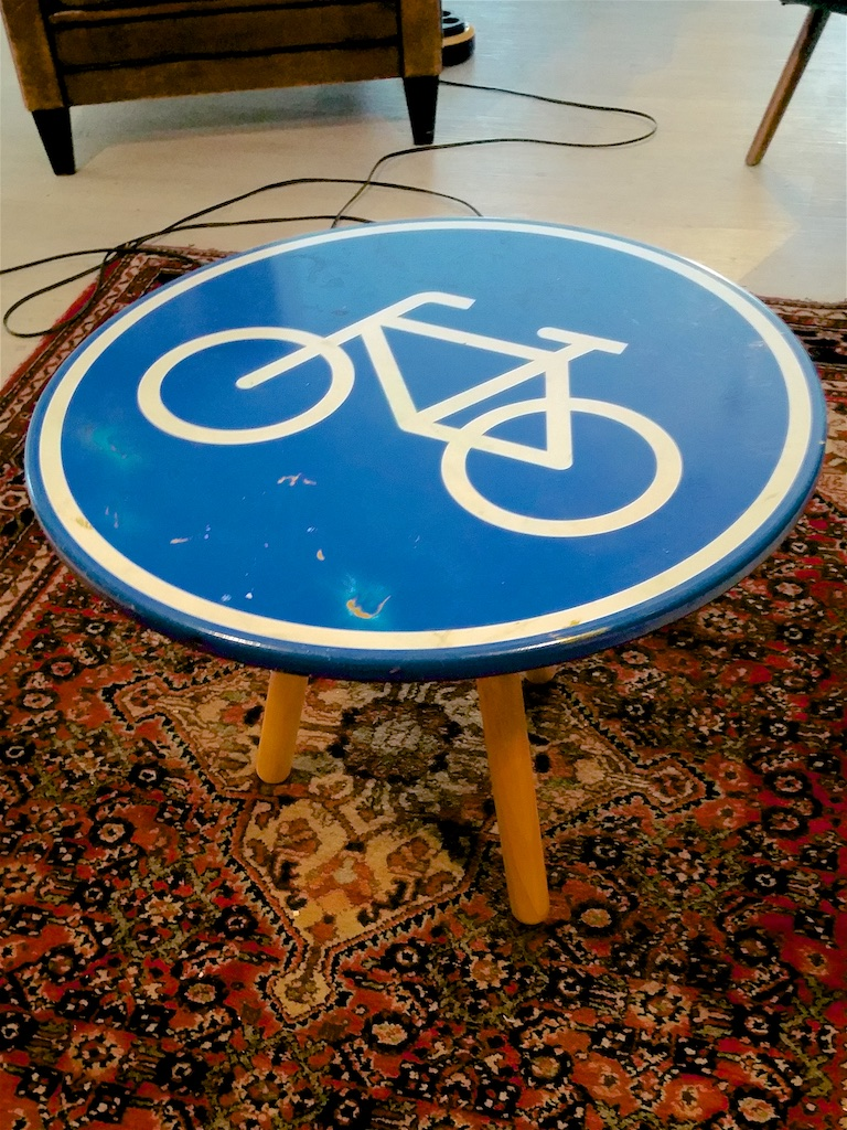 3271: Fietspad-tafeltje