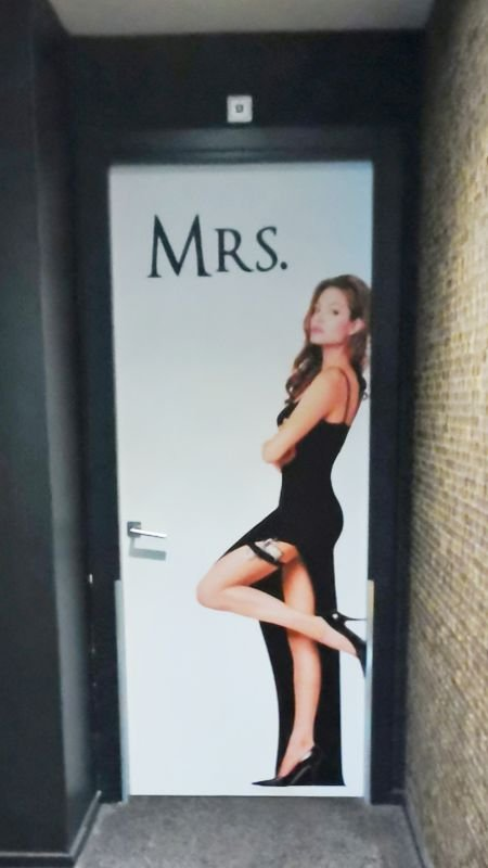 4268: MRS SMITH